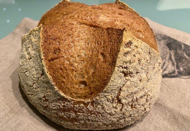 Kruh, dober kot kruh, tokrat ajdin brez glutena!