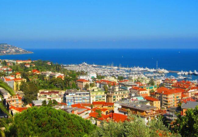 Sanremo, mesto rož in festivala italijanske glasbe, tudi razkošnih igralnic in dobre hrane