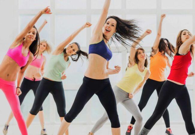Zumba, vadba in ples v enem, lahko tudi od doma
