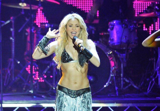 Pevka Shakira ima popolno telo, kako ji to uspeva