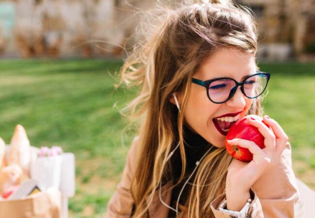 To so najboljši prigrizki za zdrave zobe in dlesni