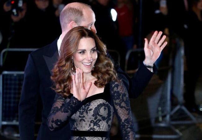 Trik zaradi katerega lahko Kate Middleton ure in ure stoji v visokih petah