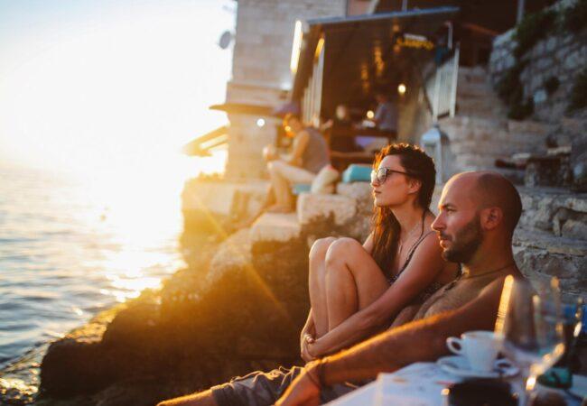 Zakaj so počitnice eden največjih preizkusov za pare?