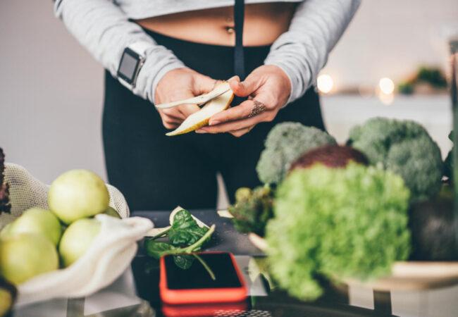 Kaj jesti pred ali po vadbi?