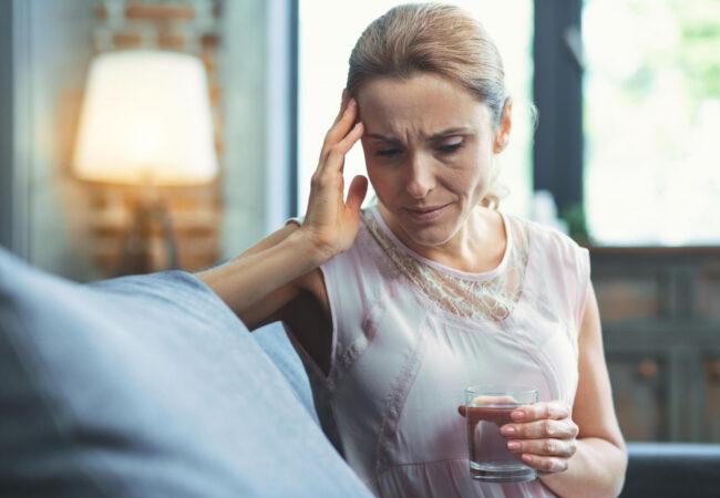 Pogosti glavoboli, slabost, izguba spomina, ni nujno, da gre za stres